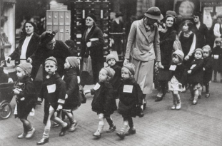 British School Children During World War II (2)