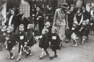 British School Children During World War II (2)