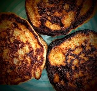 date-and-banana-pancakes-2
