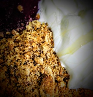 very-quick-spicy-fruit-crumble