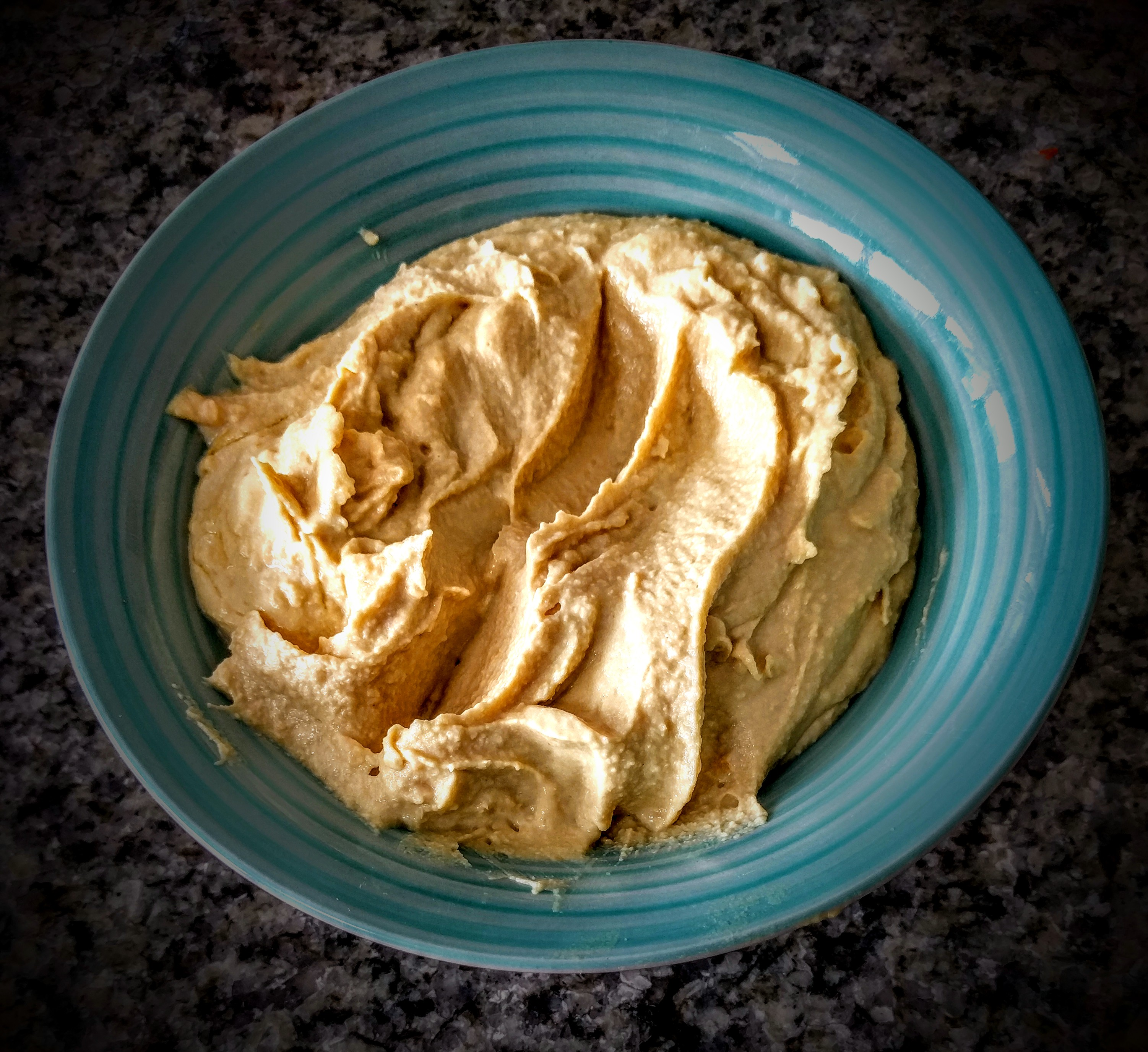 a-yummy-simple-hummus-1
