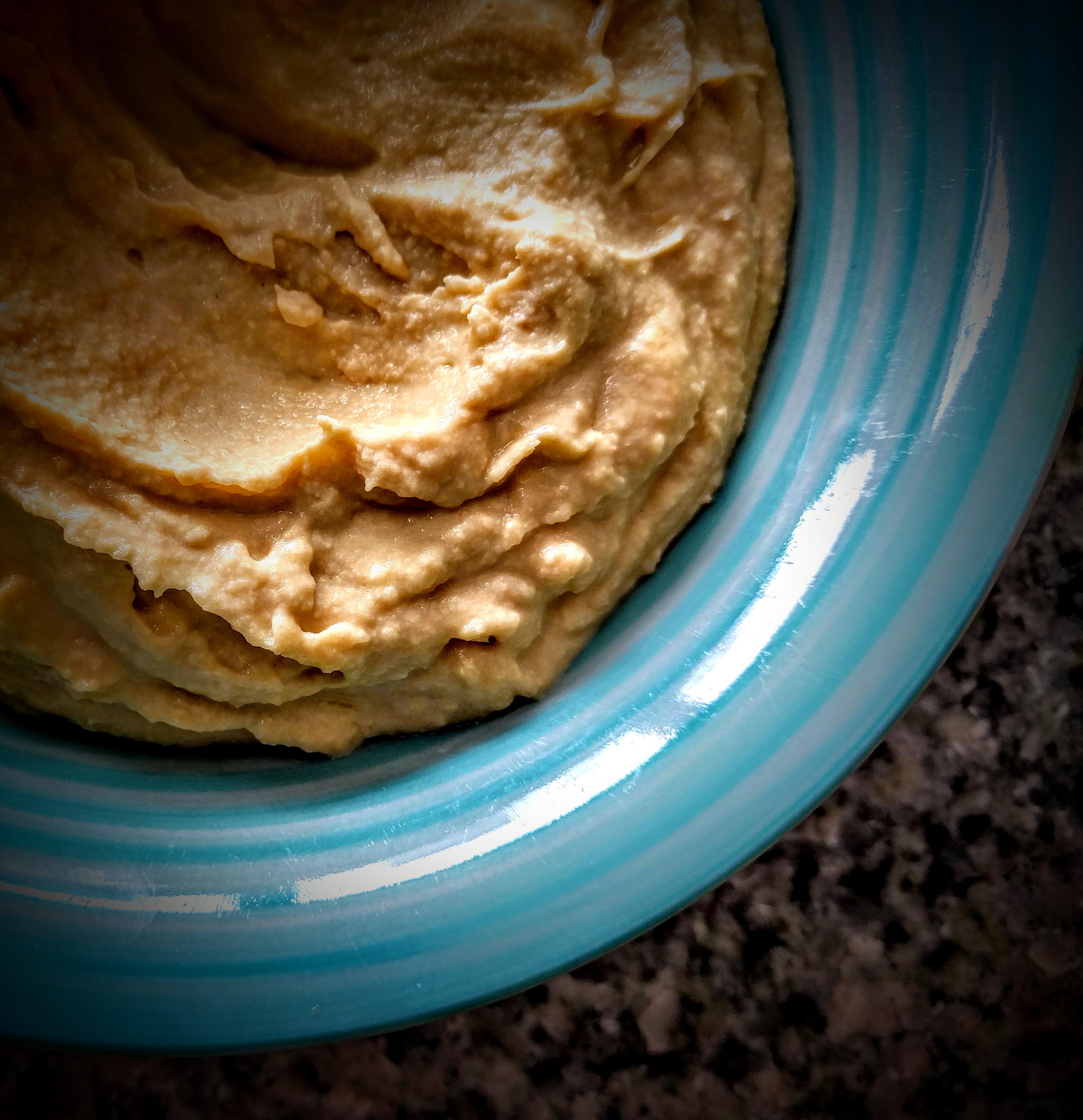 a-yummy-simple-hummus-2