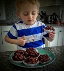 How to make my Raspberry Rice Crispy Cakes (2)