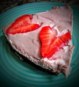Vegan Raw Strawberry and Chocolate Cheesecake 1