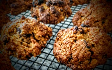 Oatmeal and Raisin Biscuits 10